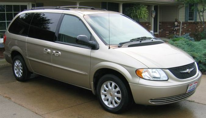 2002 Chrysler Town And Country #3