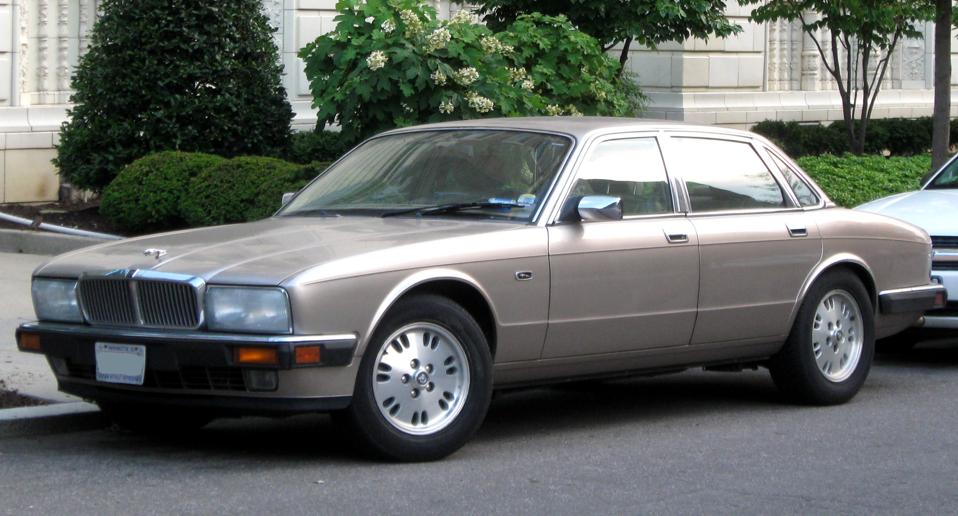 1990 Jaguar Xj-series #5