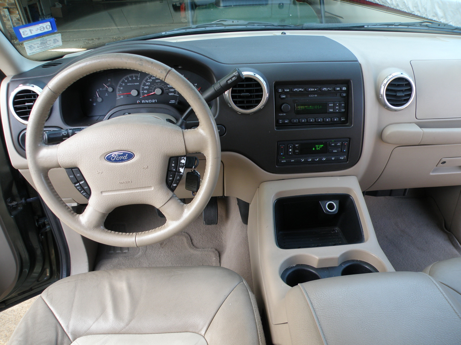 2004 Ford Expedition Photos Informations Articles Where Is The Fuse Box On 9
