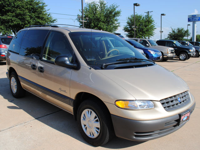 1998 Plymouth Grand Voyager #13