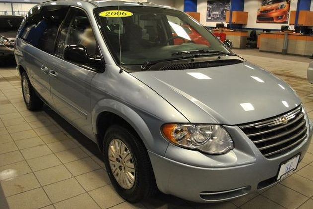 2006 Chrysler Town And Country #10