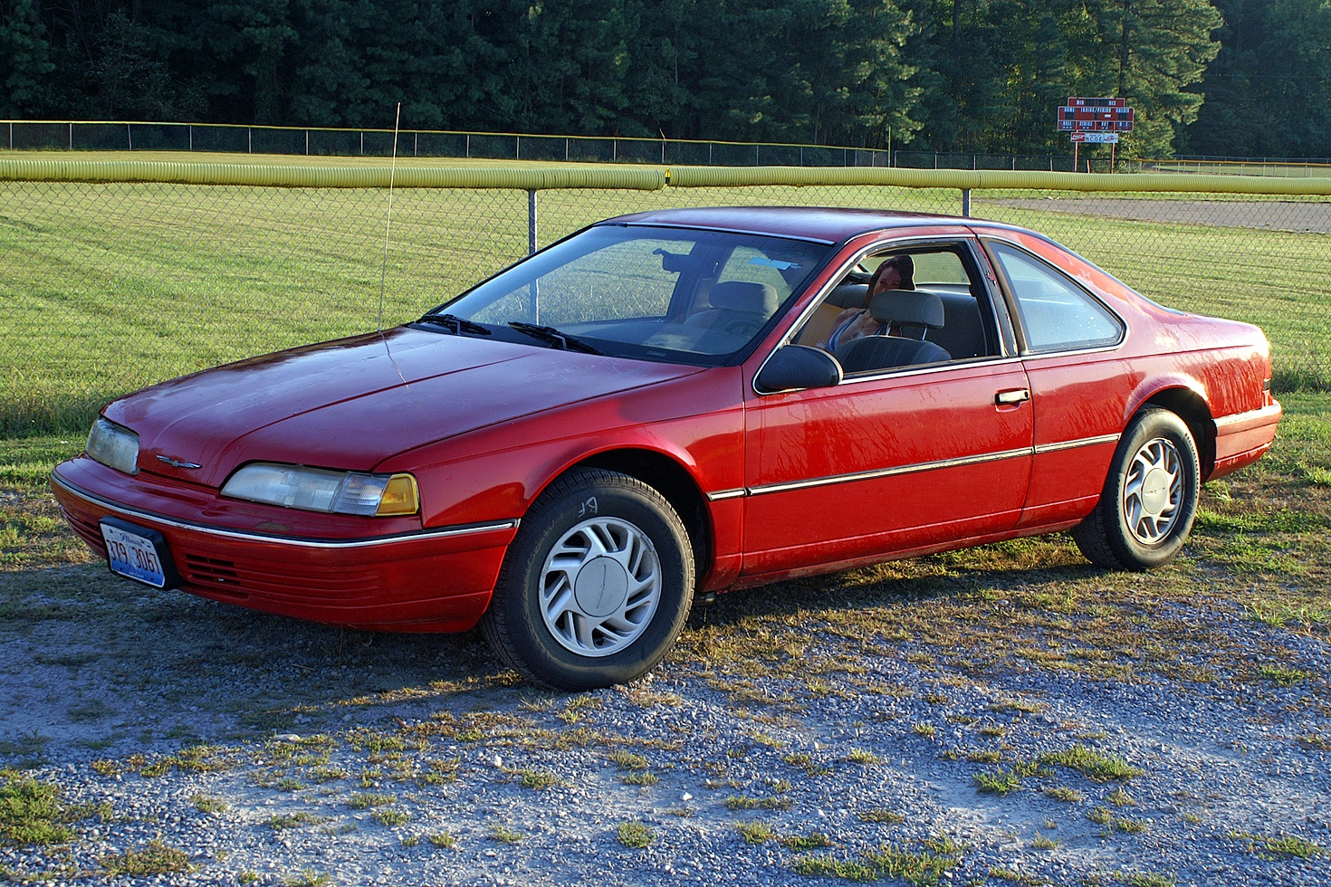 1991 Ford Thunderbird #3