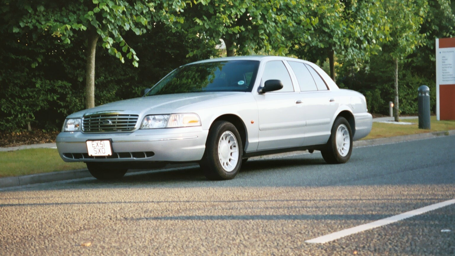 2001 Ford Crown Victoria #5