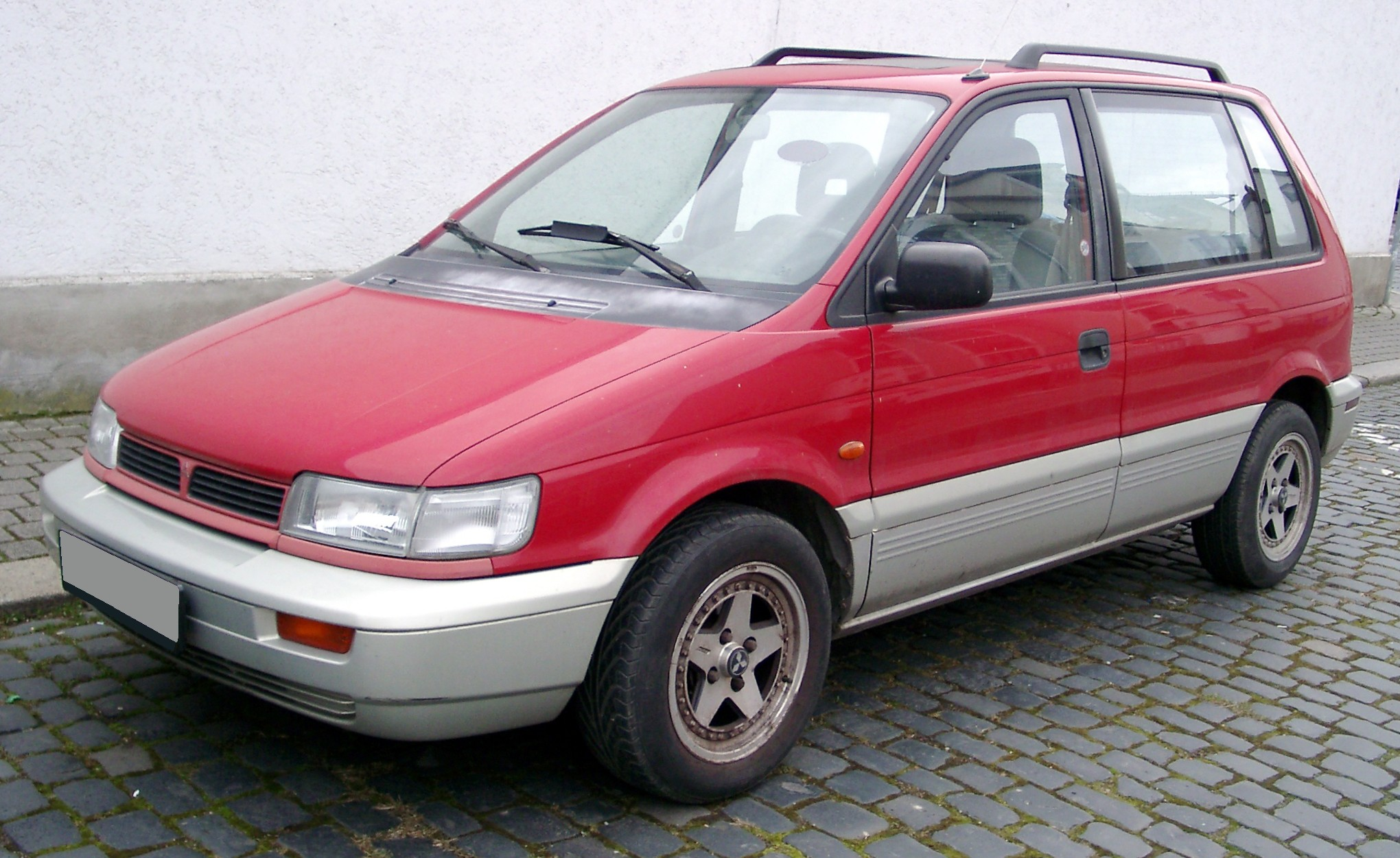 1992 Mitsubishi Space Runner #12