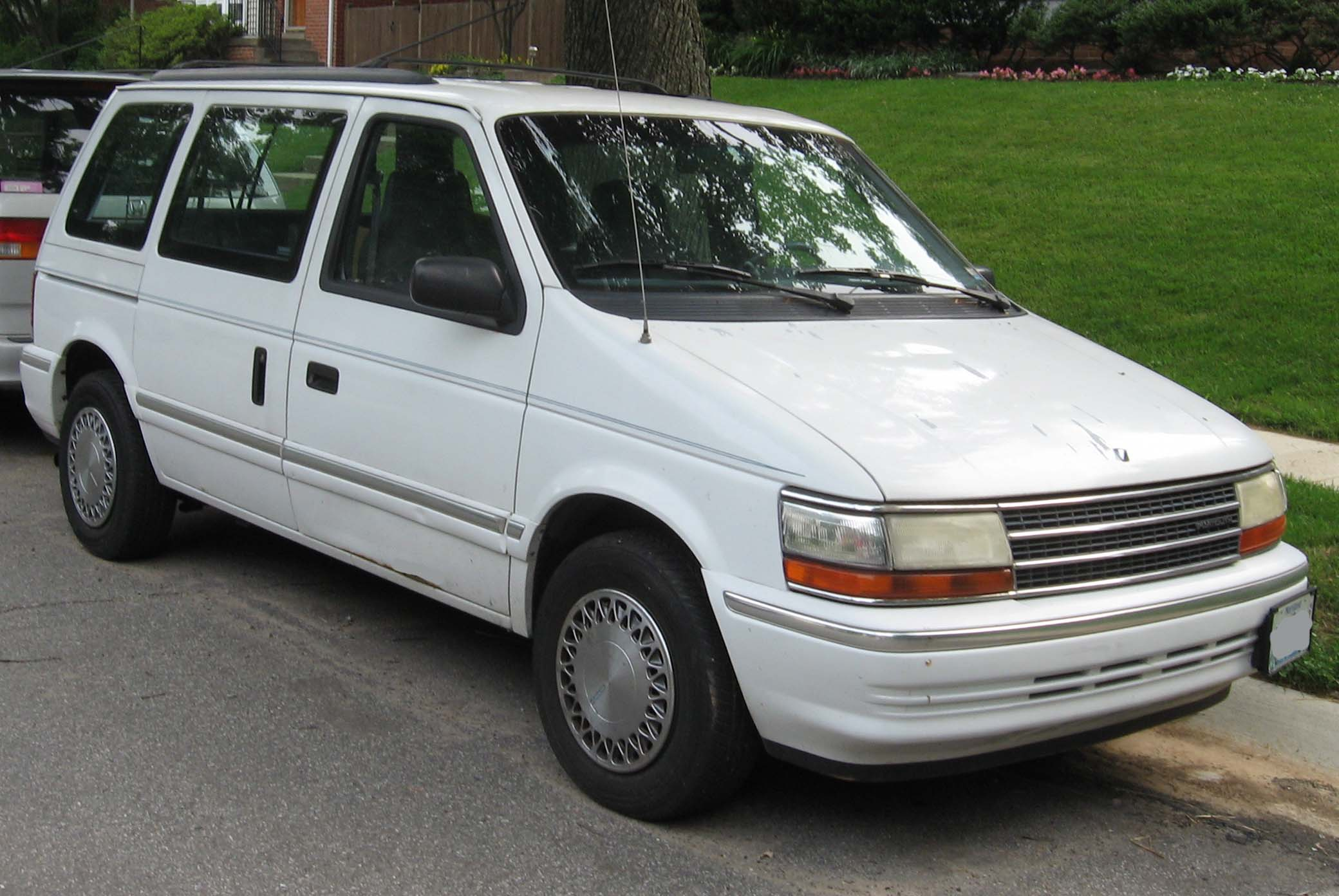1995 Plymouth Grand Voyager #4