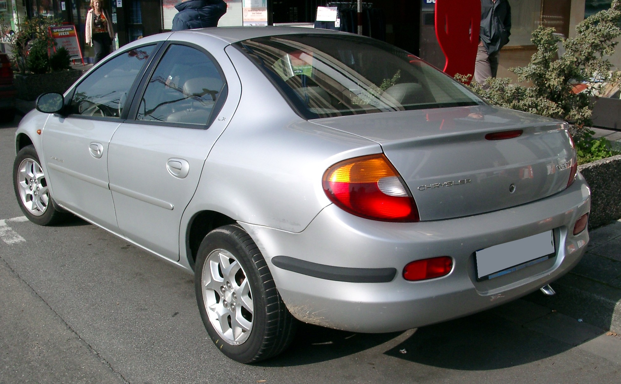 2005 Chrysler Neon #11