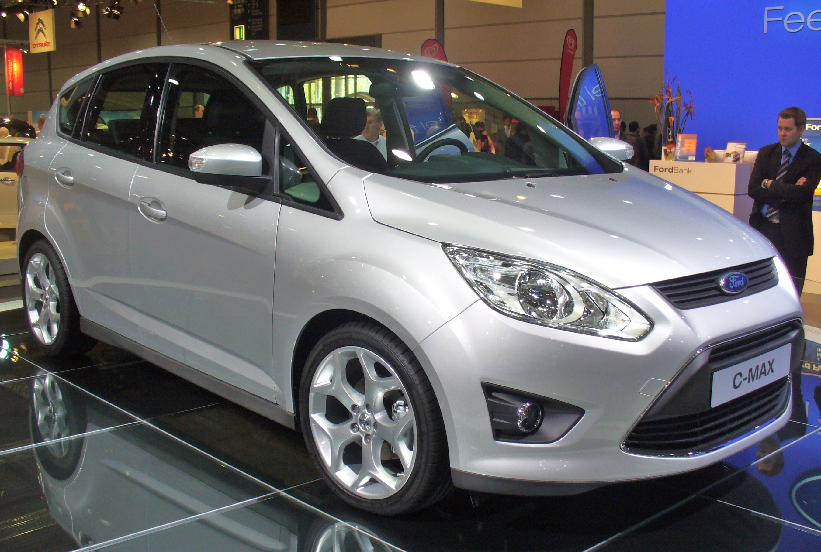 2010 Ford C-Max #1