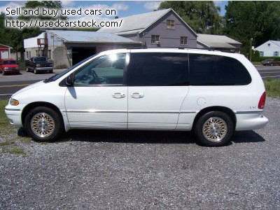 1997 Chrysler Town And Country #4