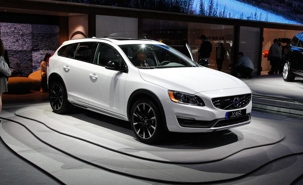 Volvo V60 Cross Country #13