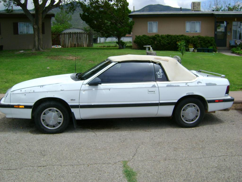 1990 Chrysler Le Baron #6