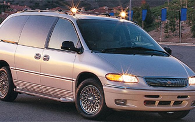 1997 Chrysler Town And Country Photos  Informations  Articles