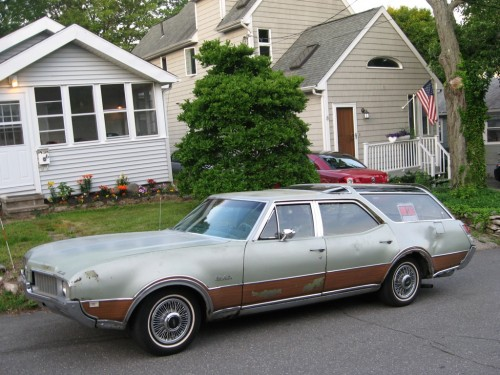 1969 Oldsmobile Vista Cruiser #9