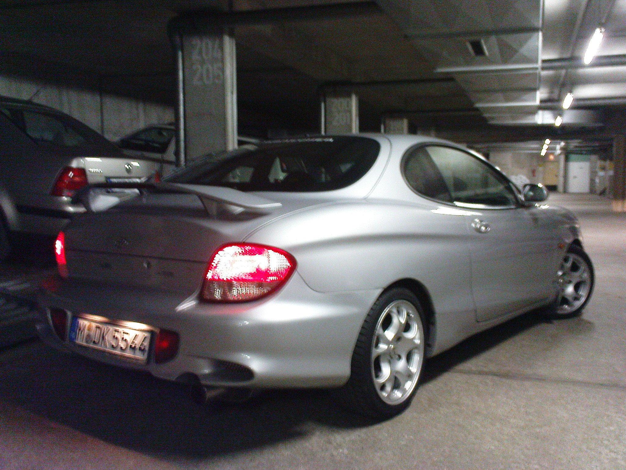 2000 hyundai coupe photos informations articles. Black Bedroom Furniture Sets. Home Design Ideas
