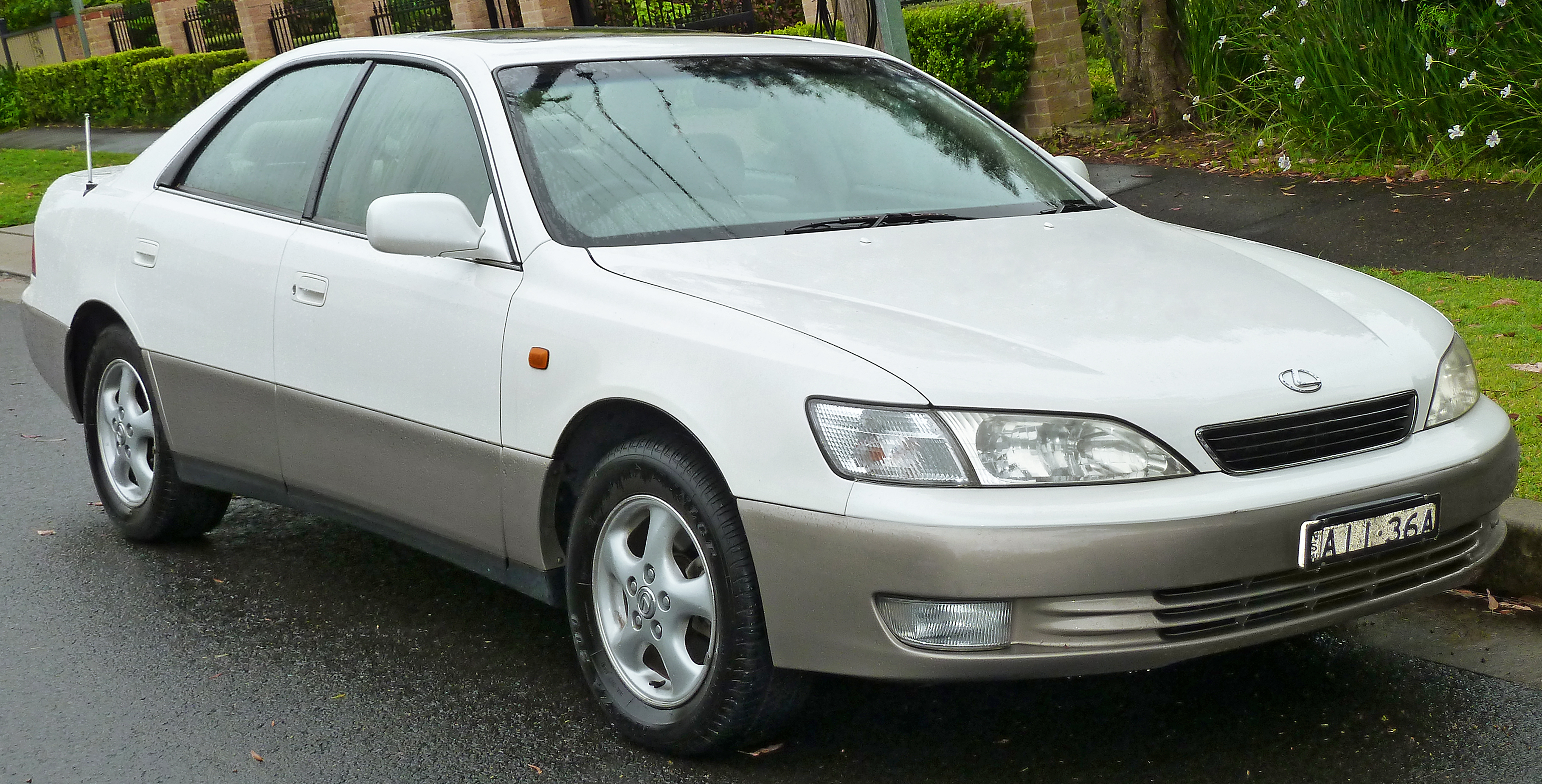 1999 Lexus IS #2