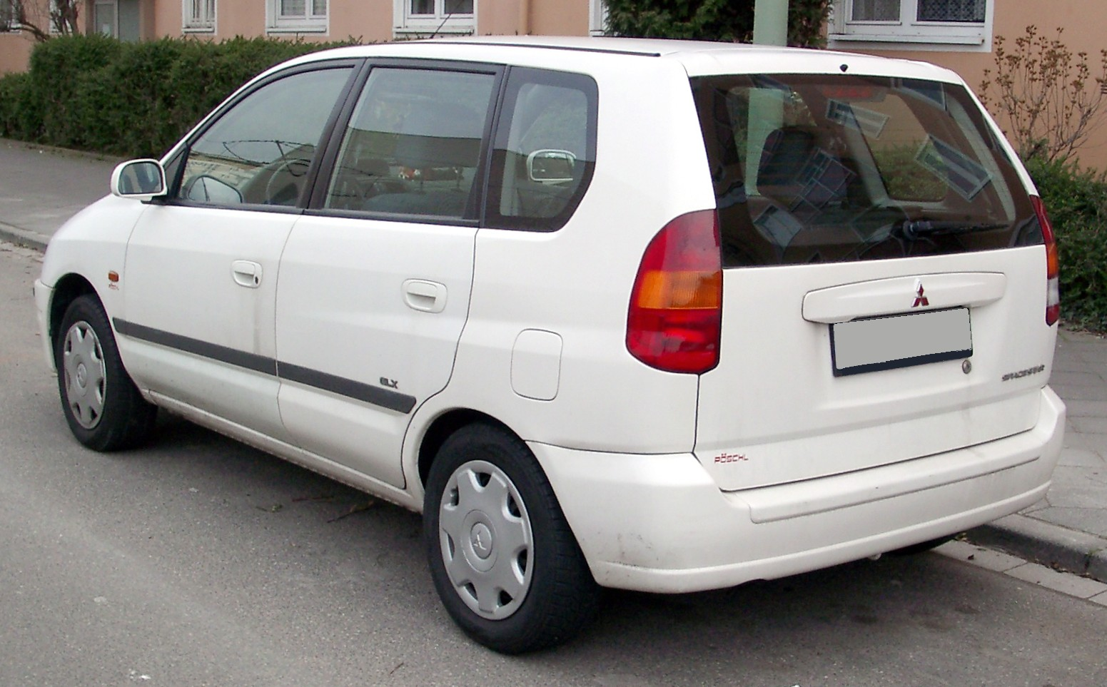 1998 Mitsubishi Space Star #9