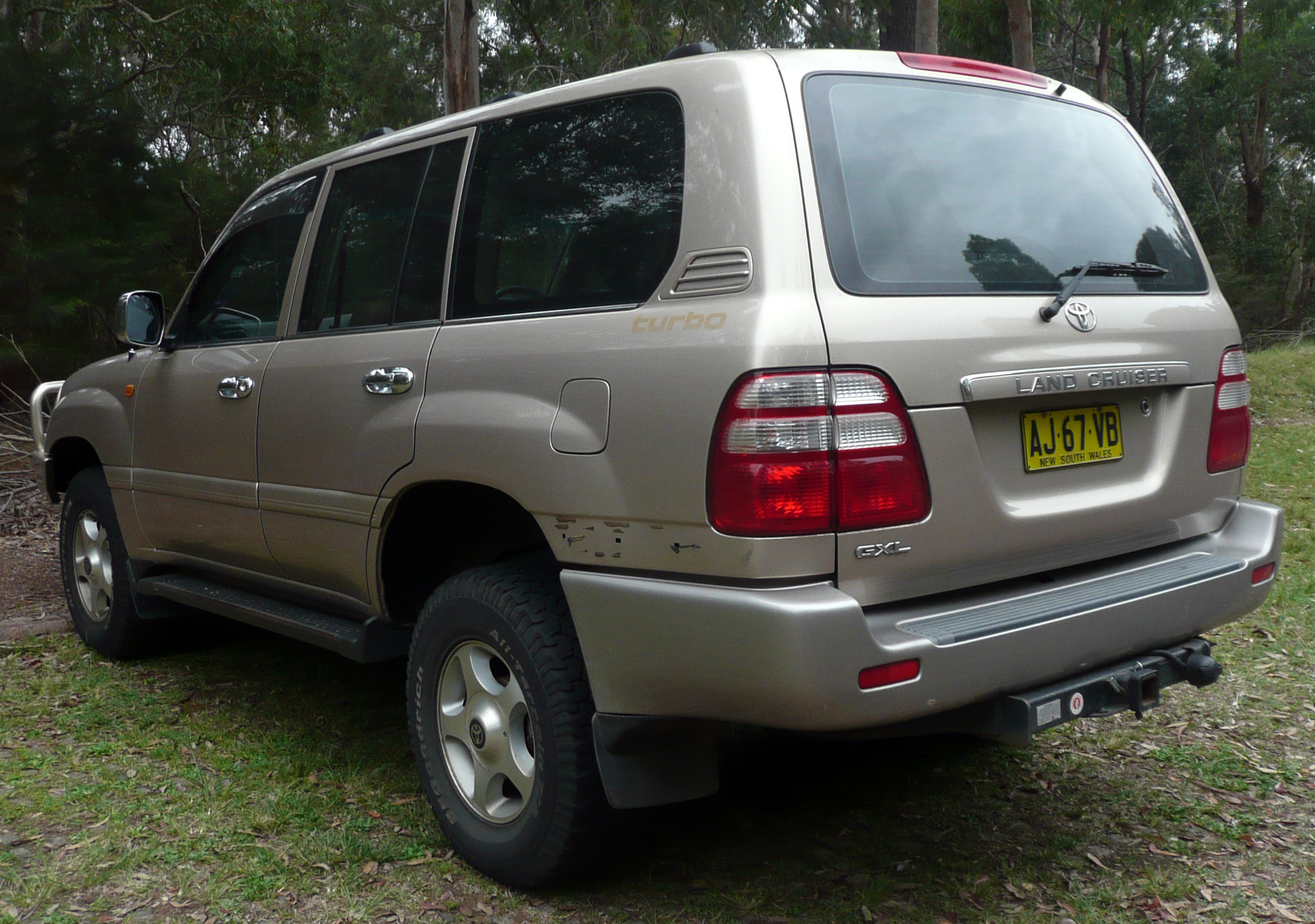 2002 Toyota Land Cruiser #17