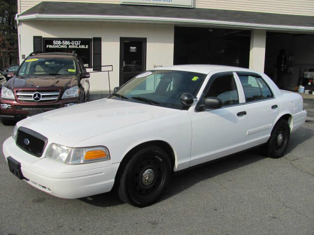 2010 Ford Crown Victoria #12