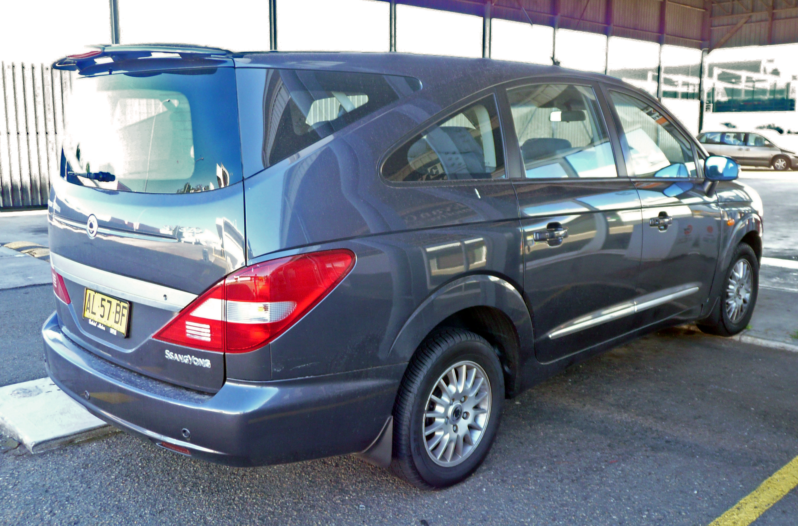 2006 Ssangyong Stavic #2