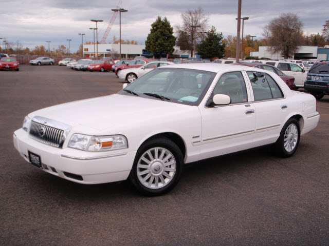 2009 Mercury Grand Marquis #5