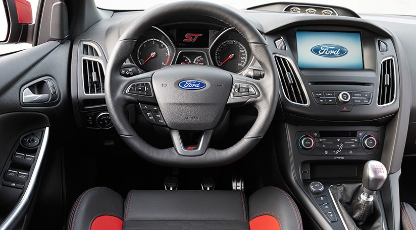 2015 Ford Focus St #12