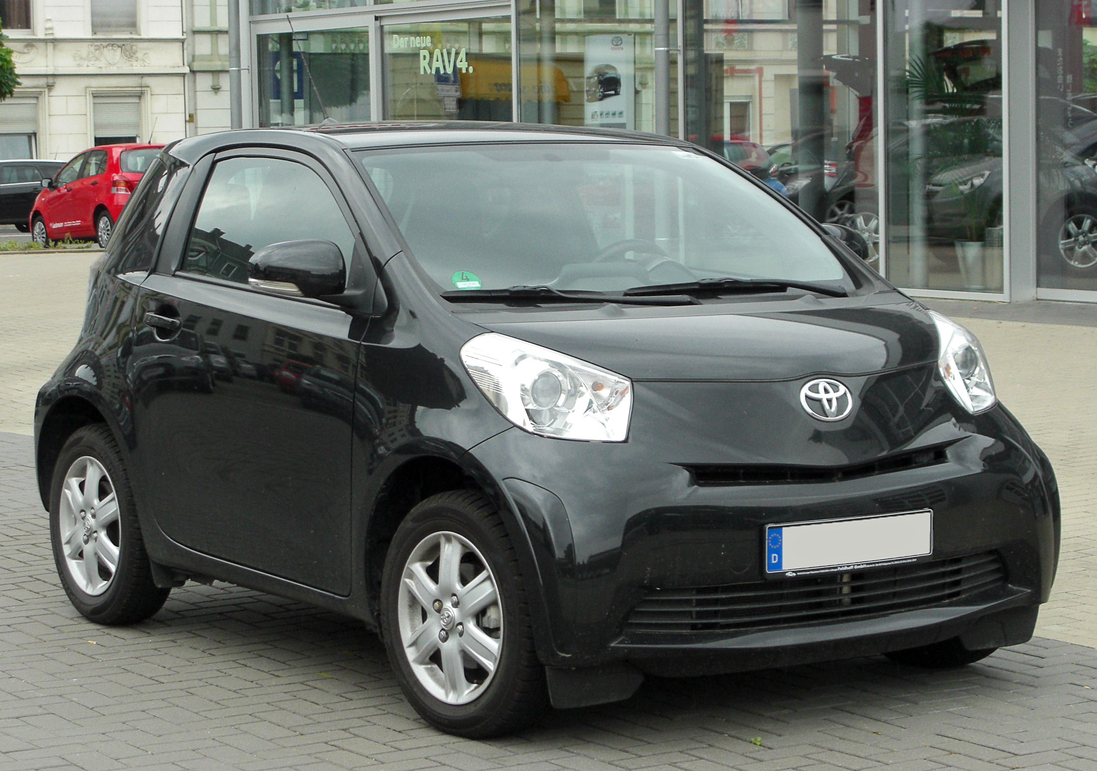 2010 toyota iq photos informations articles. Black Bedroom Furniture Sets. Home Design Ideas
