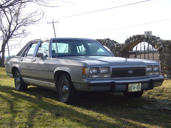 1991 Ford Ltd Crown Victoria #10