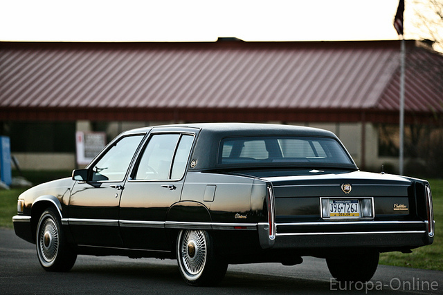 1990 cadillac fleetwood photos informations articles bestcarmag. Cars Review. Best American Auto & Cars Review