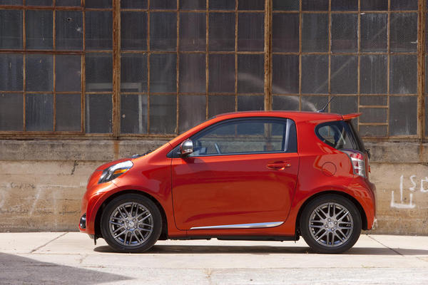 2017 Scion Iq 1