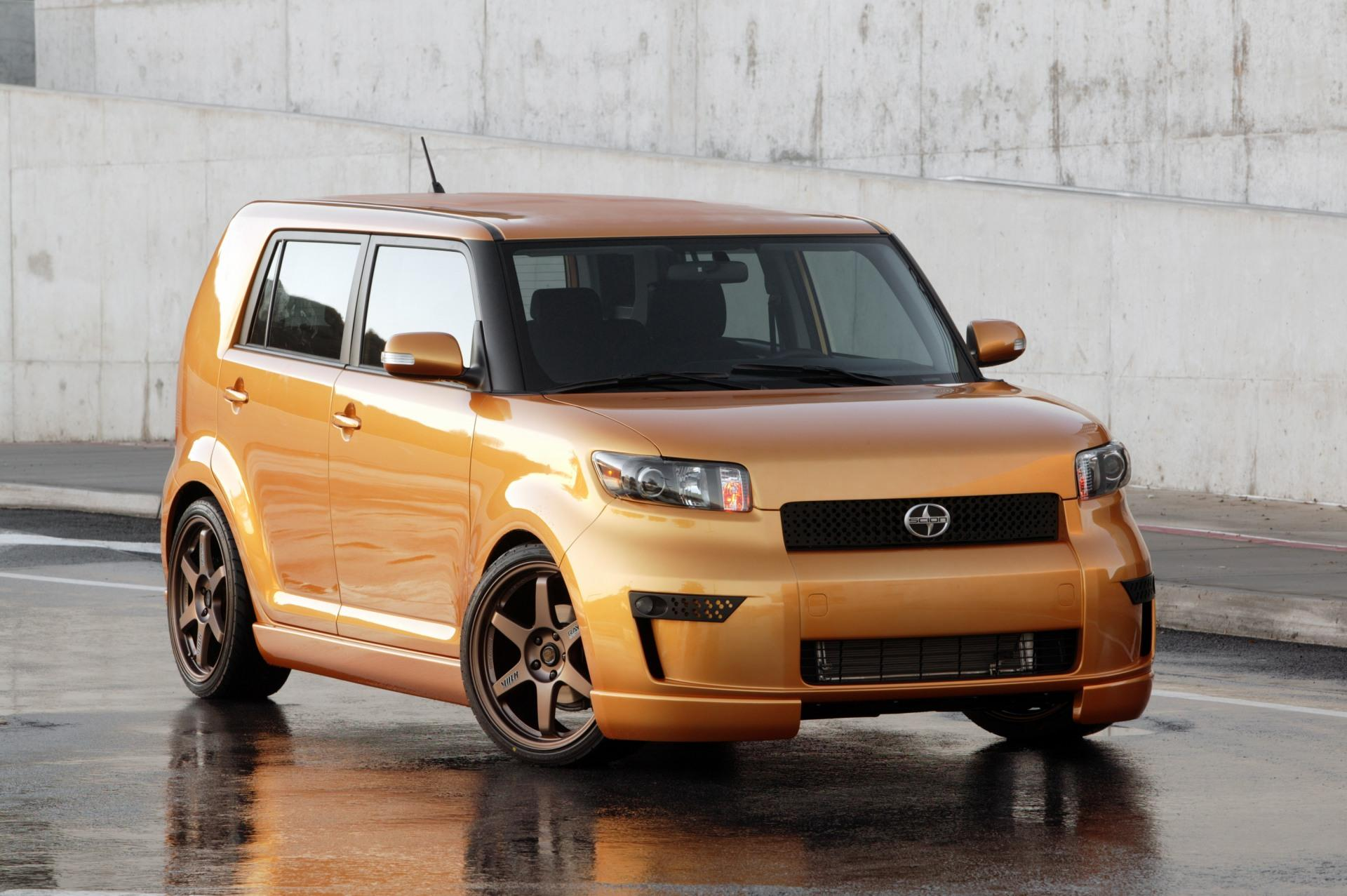 2010 Scion Xb #13