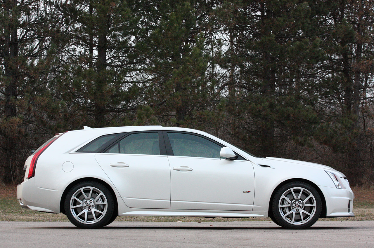 2014 cadillac cts wagon photos informations articles. Black Bedroom Furniture Sets. Home Design Ideas