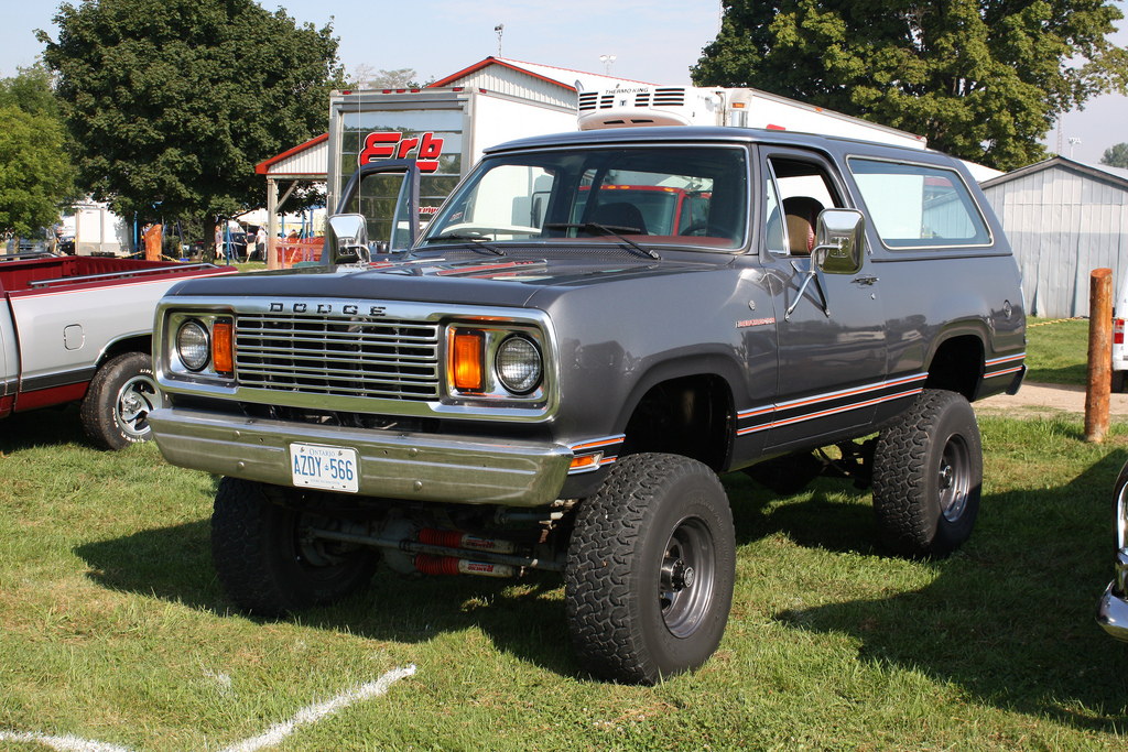 Dodge Ramcharger #12