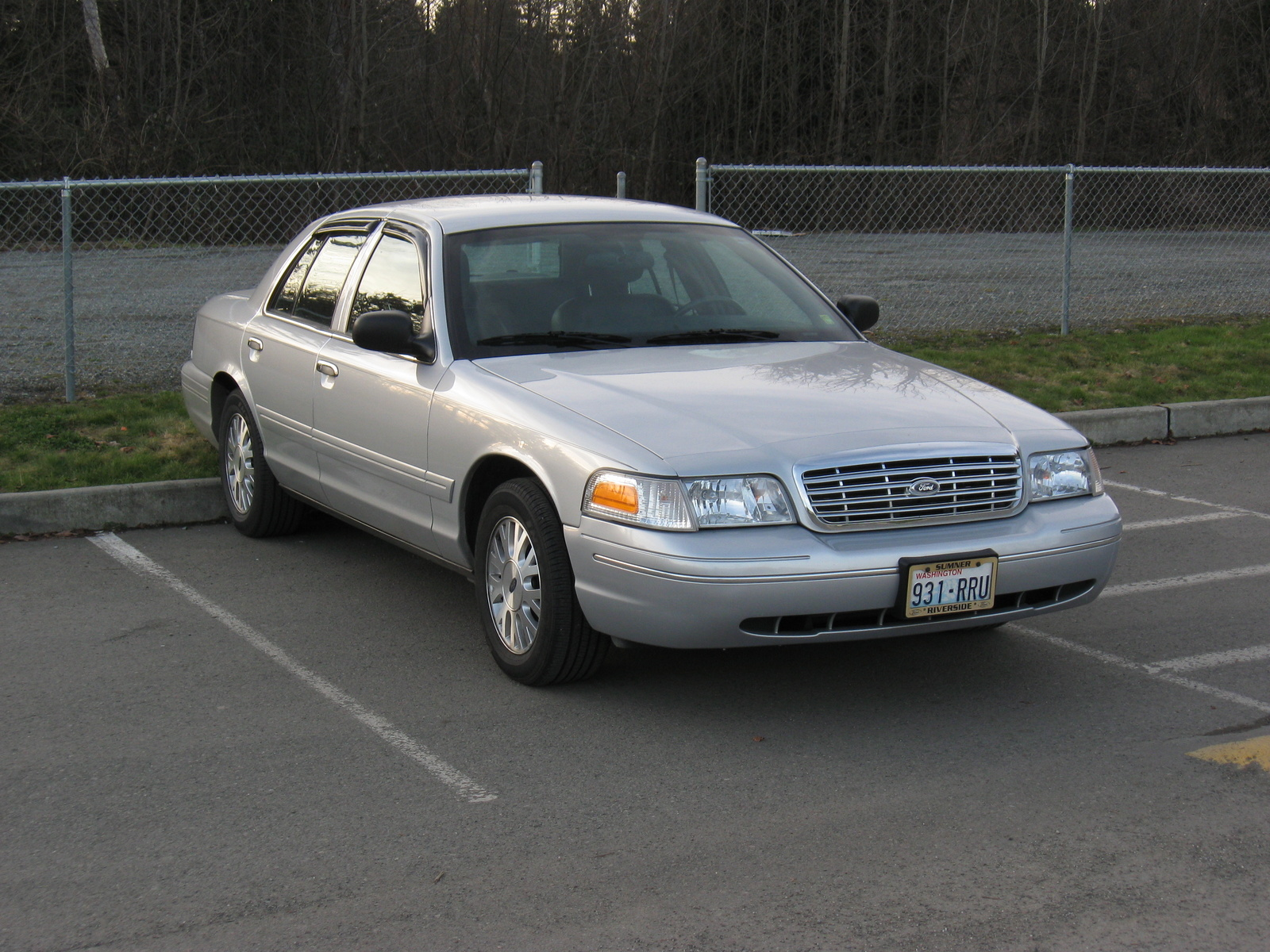 2003 Ford Crown Victoria #11