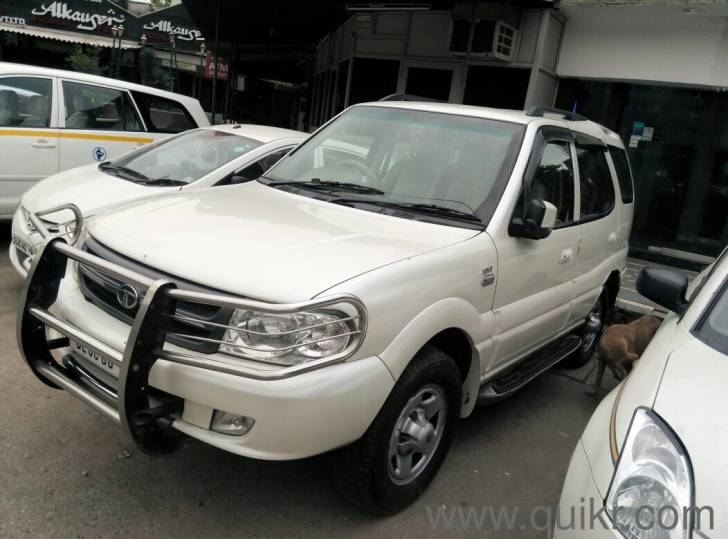 2009 Tata Safari #18