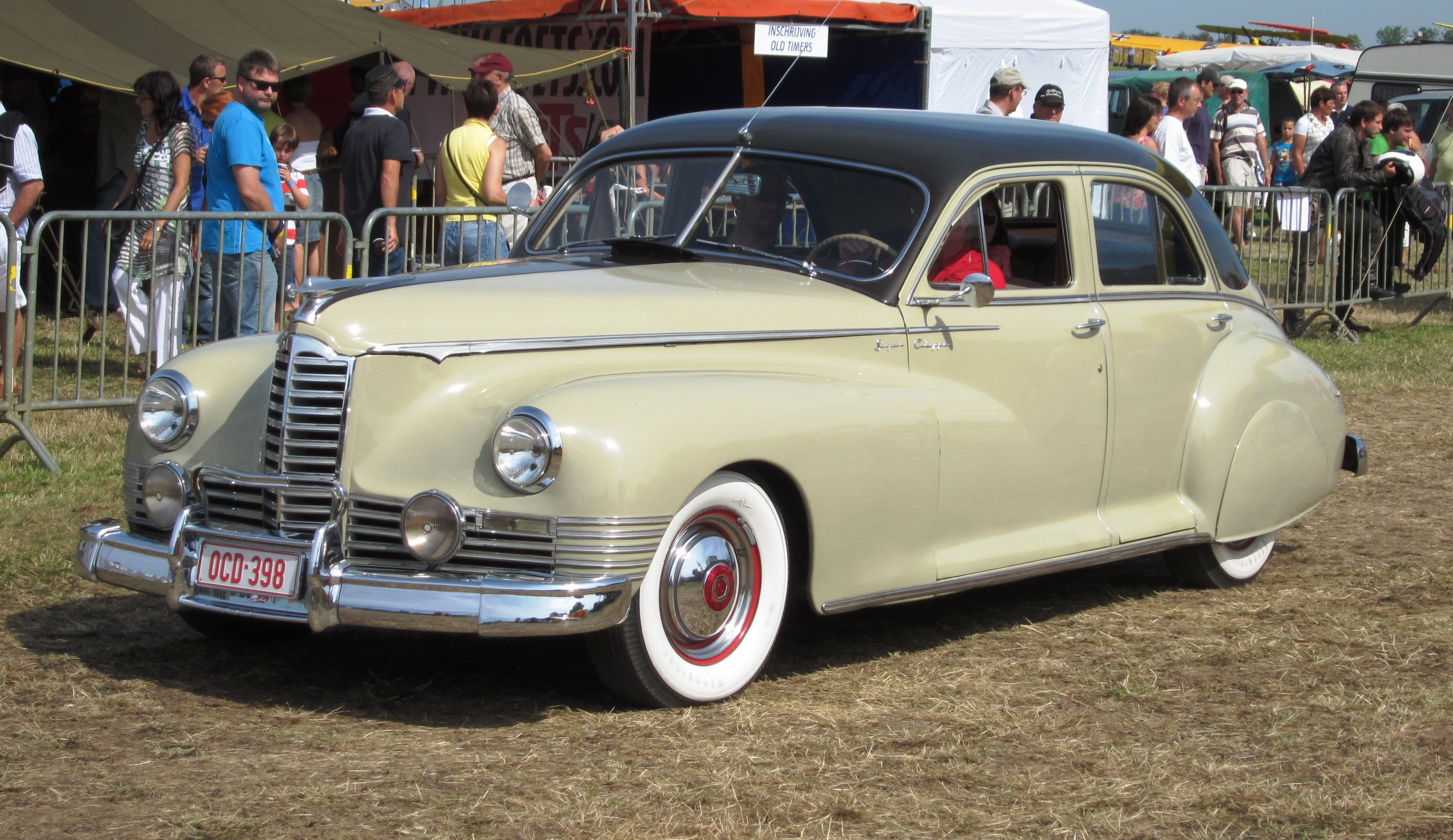 Packard Photos Informations Articles Body Wiring Diagram For 1942 Chevrolet Two And Four Door Sedans 5