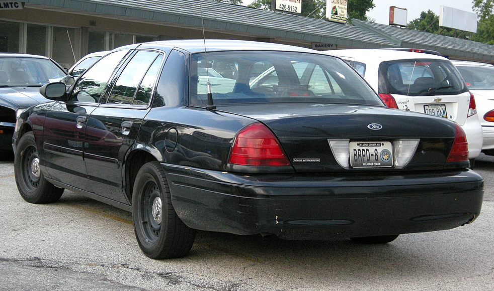 2002 Ford Crown Victoria #14