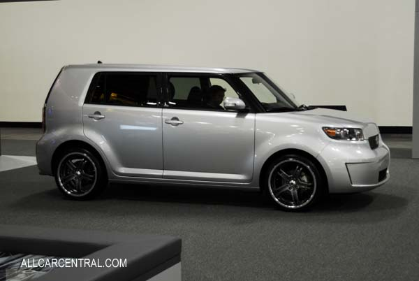 2009 Scion Xb #10