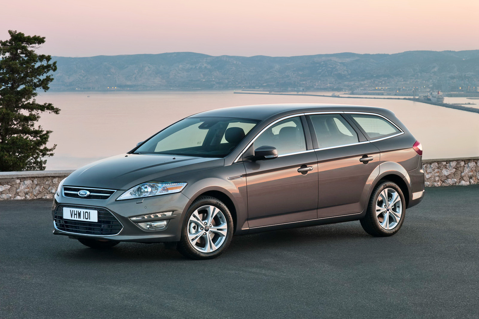 2011 Ford Mondeo #10