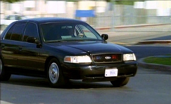 2001 Ford Crown Victoria #17