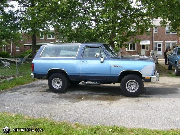 1990 Dodge Ramcharger #2