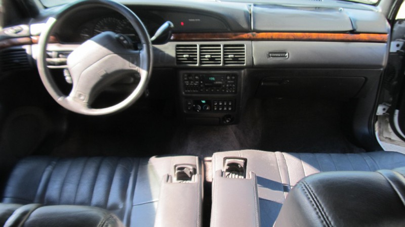1994 Chrysler New Yorker #11