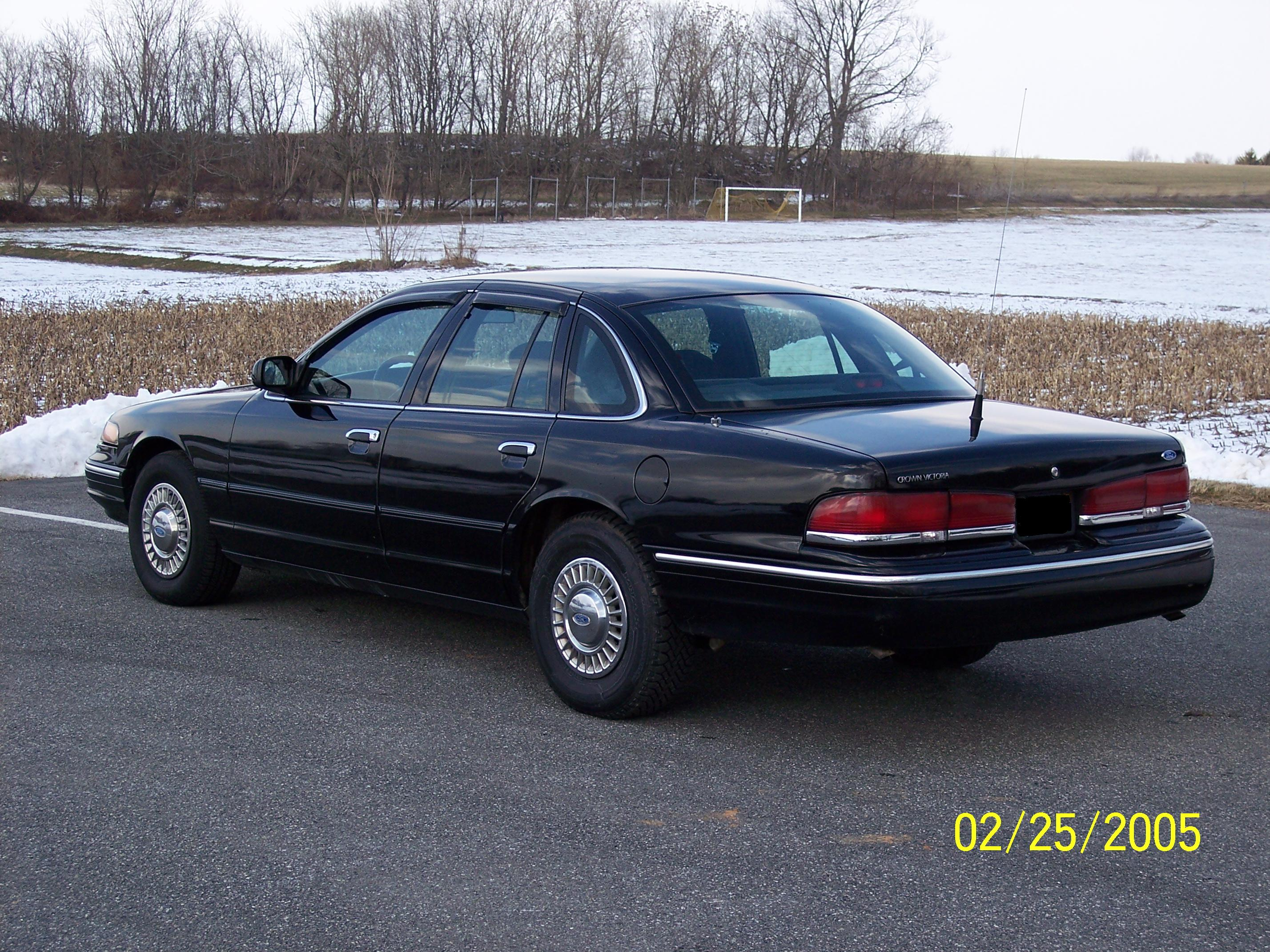 1997 Ford Crown Victoria #14