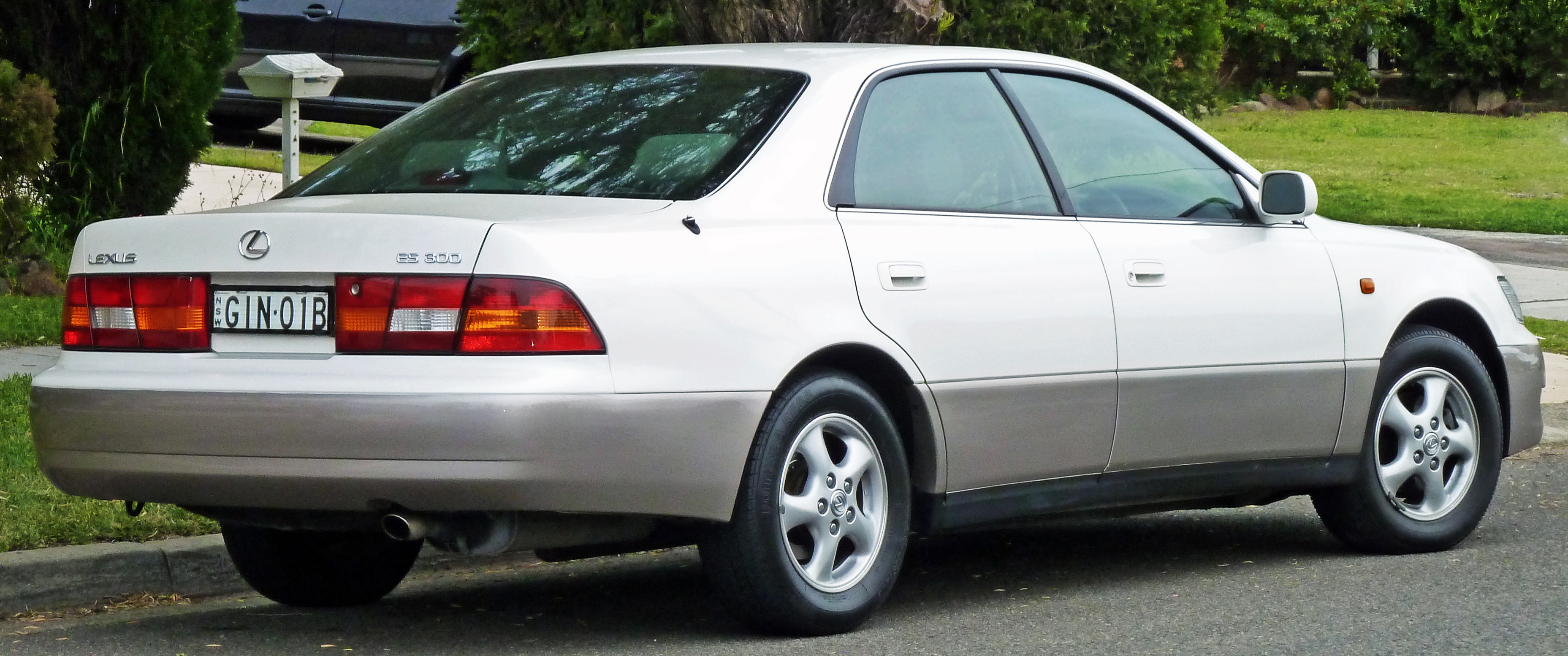 1999 Lexus IS #3