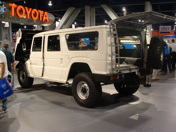 2004 toyota mega cruiser photos informations articles bestcarmag com rh bestcarmag com toyota fj cruiser price in usa toyota mega cruiser for sale in usa