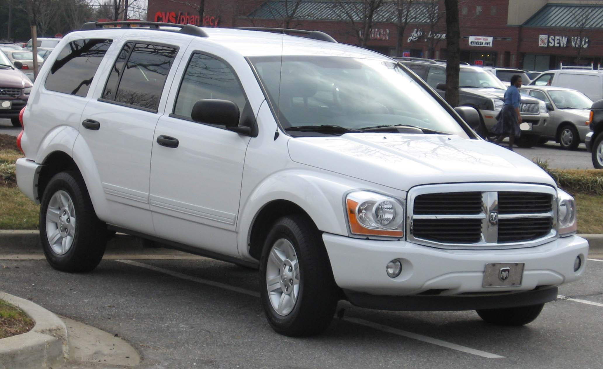 2004 Dodge Durango Photos, Informations, Articles - BestCarMag.com