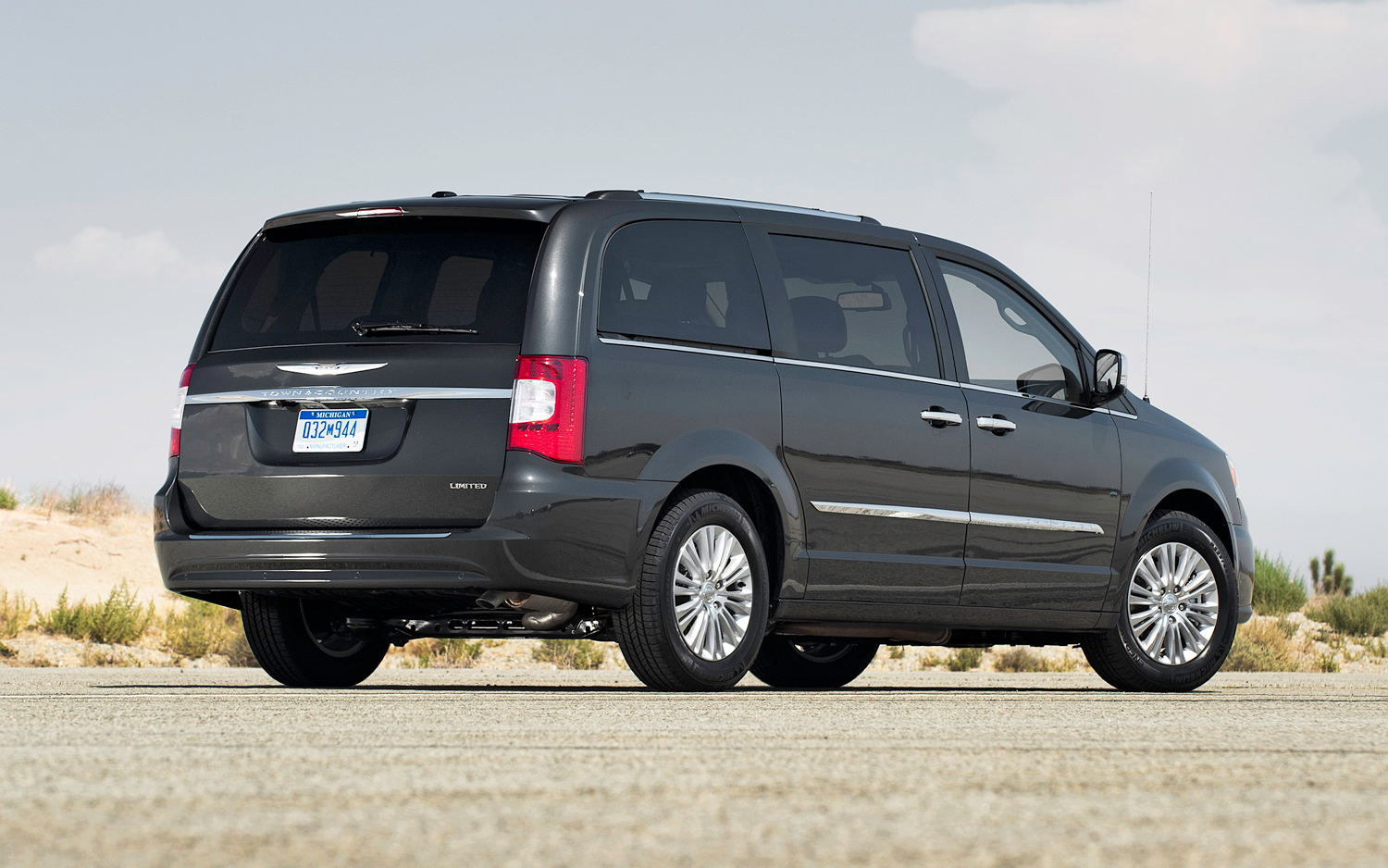 2012 Chrysler Town And Country #7