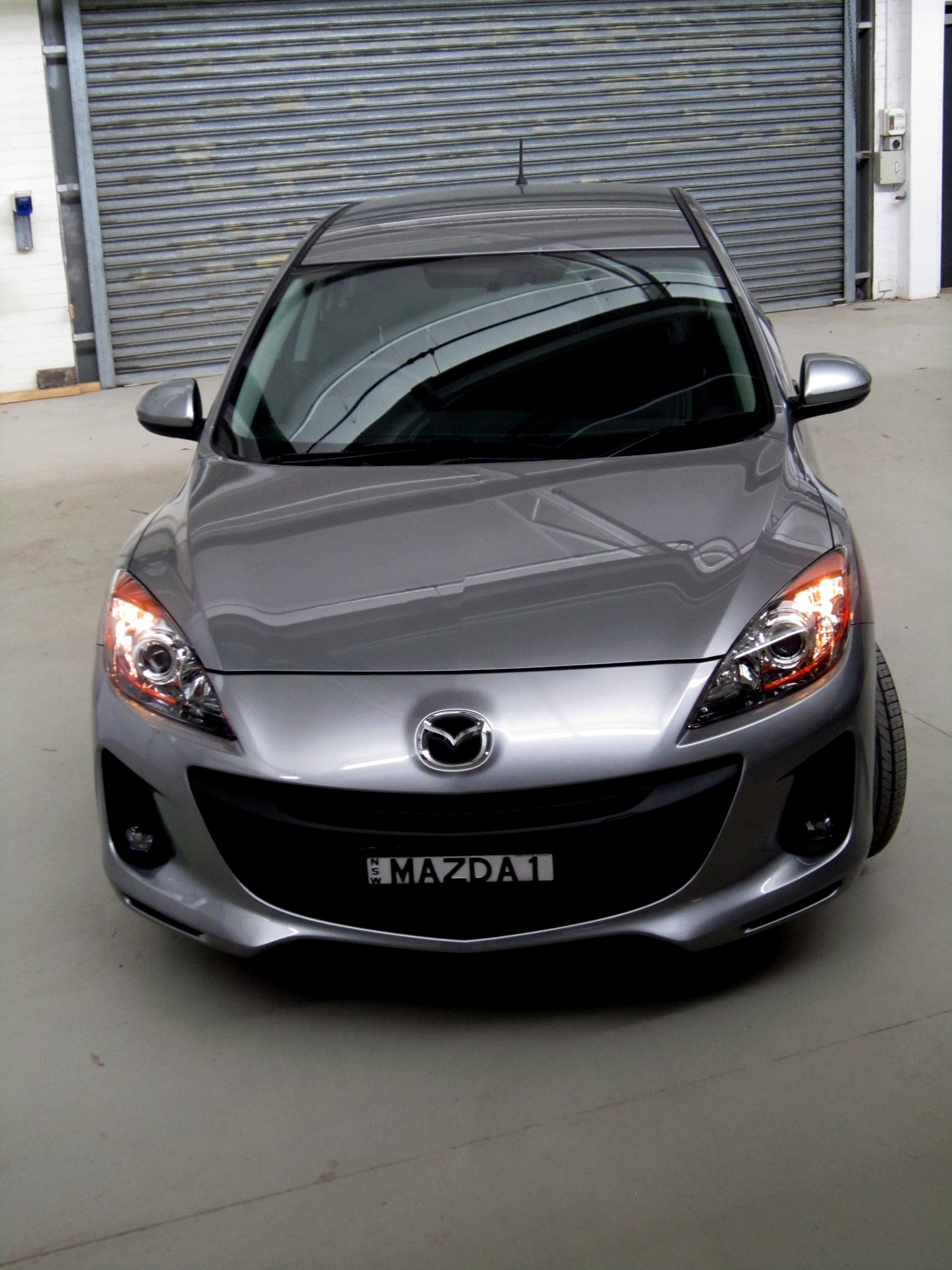 2012 mazda 3 photos informations articles. Black Bedroom Furniture Sets. Home Design Ideas