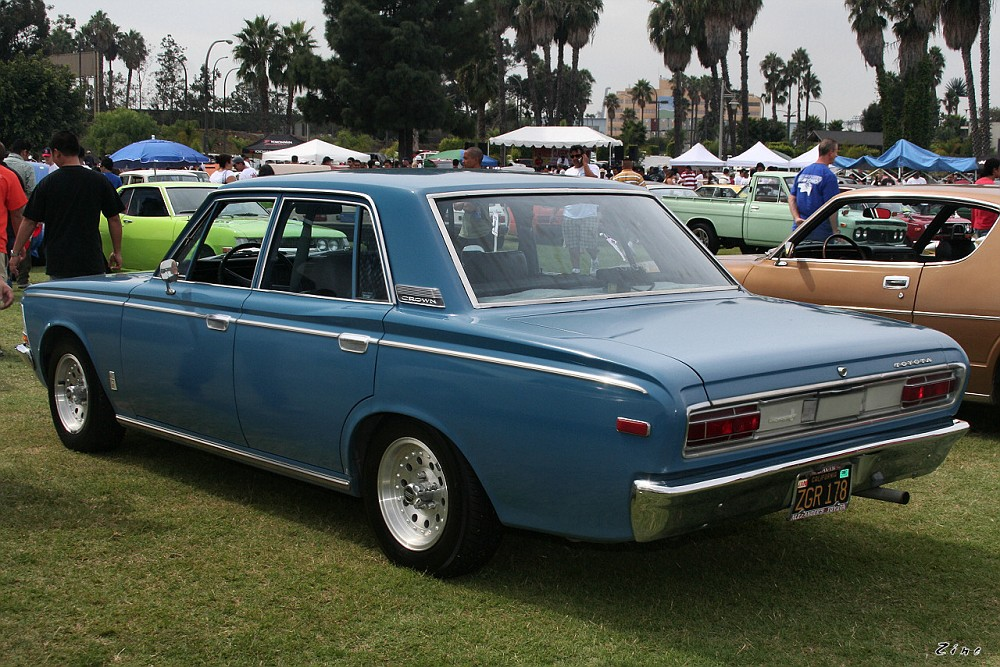 1969 Toyota Crown #8
