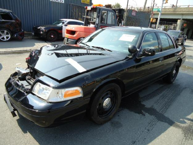 2010 Ford Crown Victoria #17