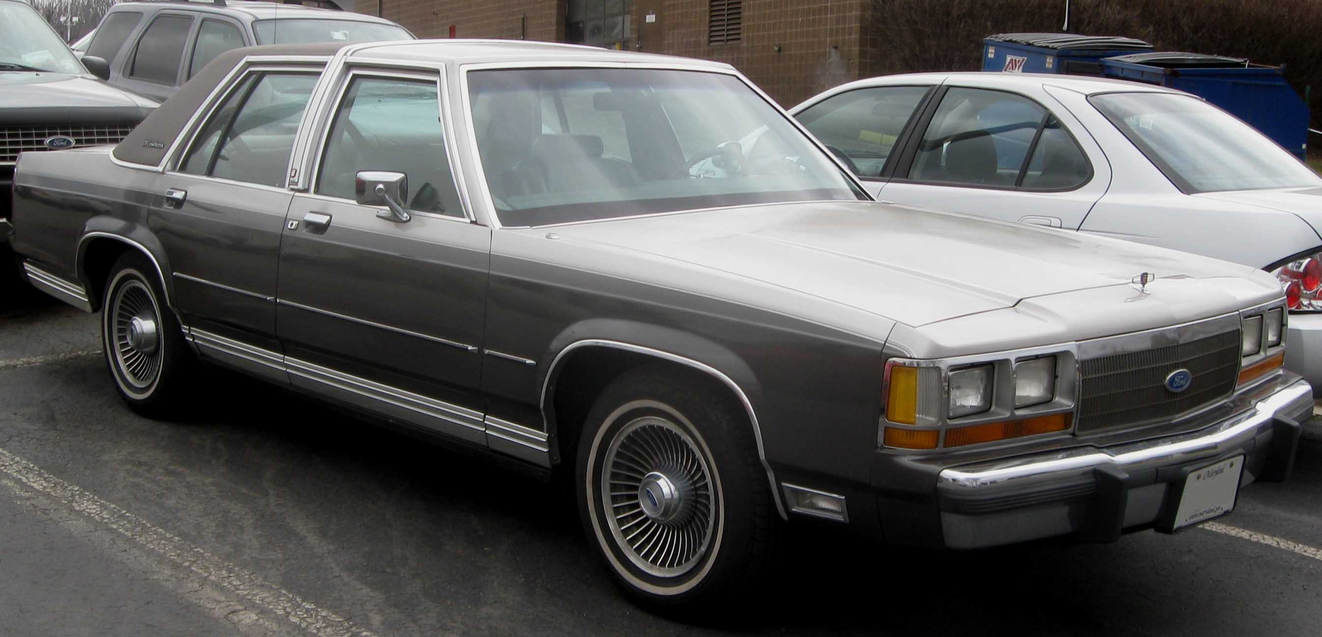 1991 Ford Ltd Crown Victoria #4