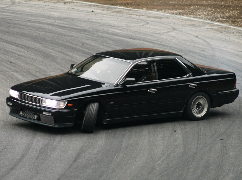 1989 Nissan Laurel #9